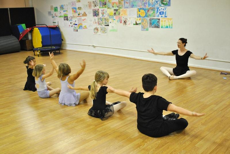 Level 2 Ballet warming up